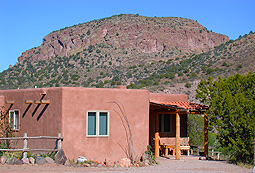 Casita de los Pajaros near Silver City